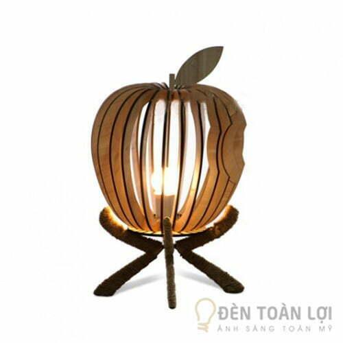 Đèn Gỗ: Mẫu đèn để bàn trang trí hình quả táo apple