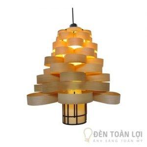 Đèn gỗ, đèn trang trí dạng cây thông phù hợp quán cafe, khách sạn