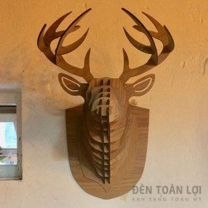 Đèn gỗ Mẫu đèn đầu hươu treo tường trang trí biệt thự