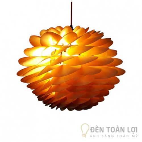 Đèn gỗ Mẫu đèn trang trí dạng hoa cúc bách nhật tạo điểm nhấn cho nhà hàng (1)