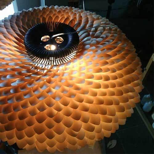 Đèn gỗ Mẫu đèn trang trí dạng hoa cúc bách nhật tạo điểm nhấn cho nhà hàng (2)