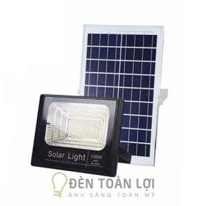 Mẫu đèn pha năng lượng mặt trời 100W giá rẻ Toàn Lợi